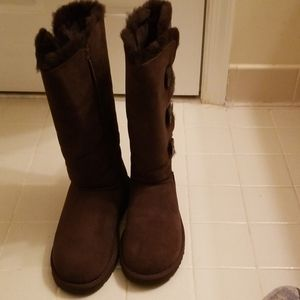 Woman's UGG Bailey Button Triplet Winter Boot